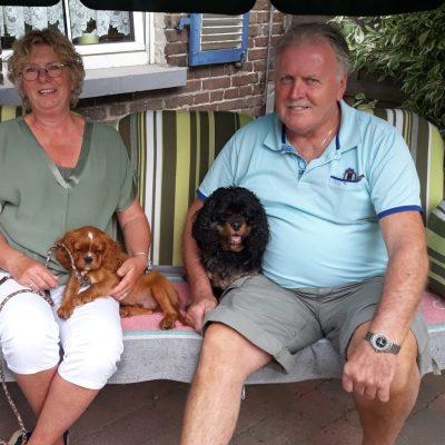 Marijan und Jan mit Sarah und Earl Brown